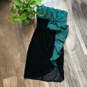 Vintage green holiday velvet dress ladies 5/6